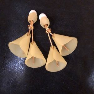 Lele Sadoughi clip earrings